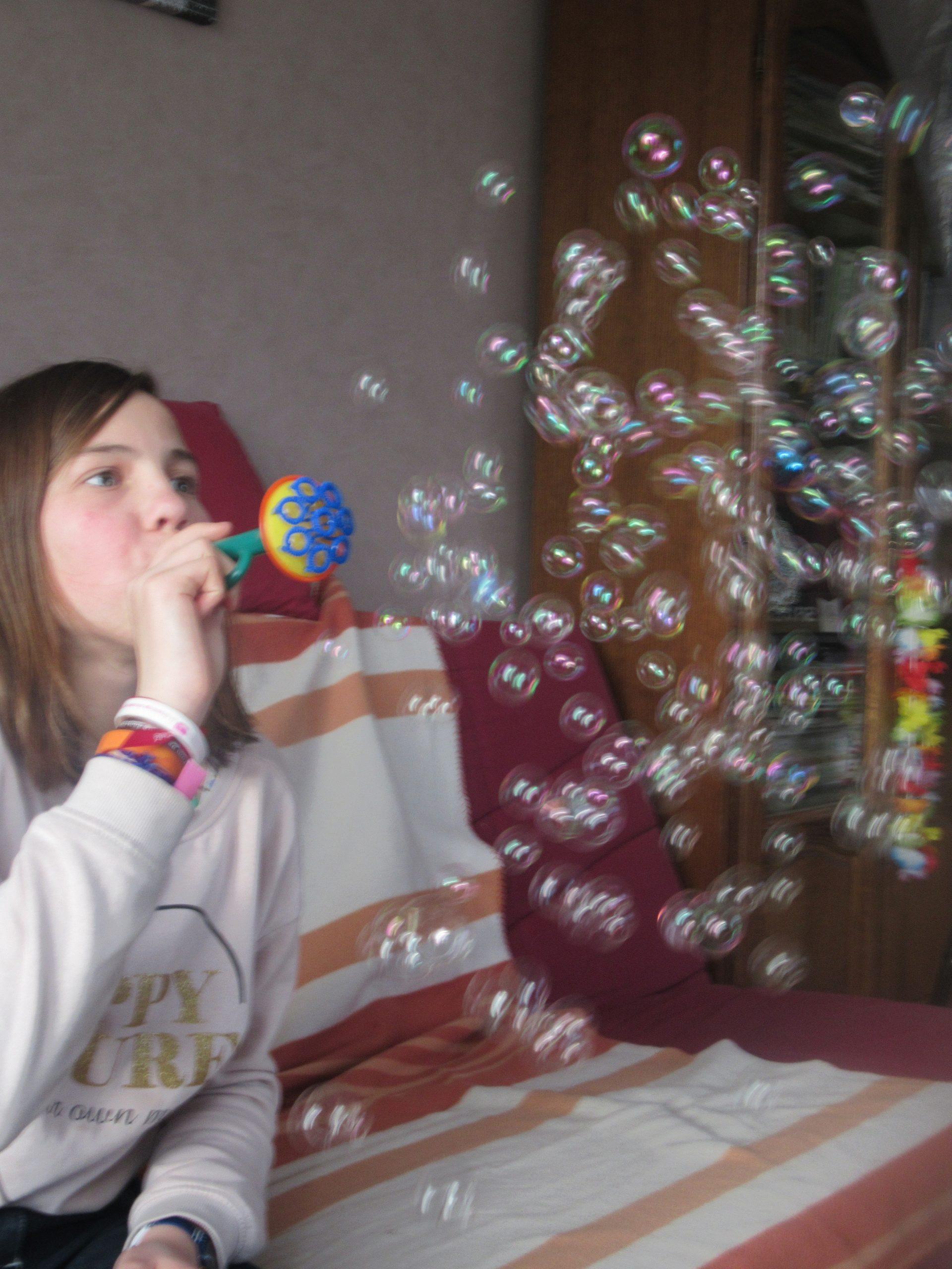 trompette qui fait des bulles