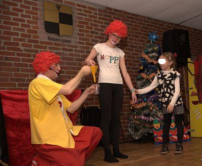 clown magicien l'entonnoir